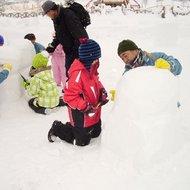 体験イベント(冬のカムイの杜公園で遊ぼう・雪像作り)