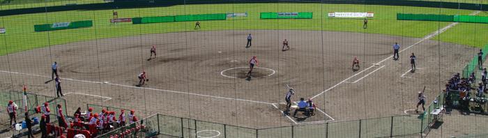 w_softball_54_001.jpg